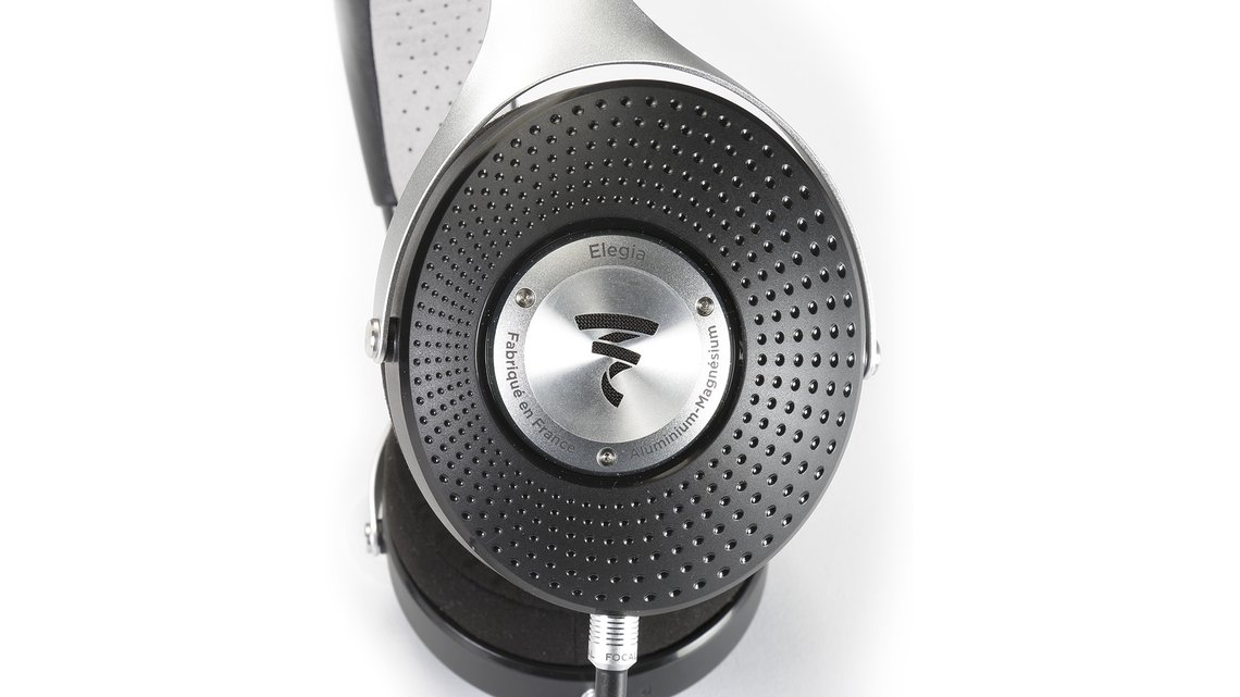 Focal Elegia Back